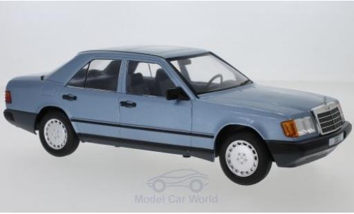 Mercedes 300 1/18 MCG E (W124) métallisé bleue 1984 miniature