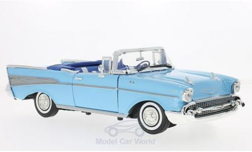 Chevrolet Bel Air 1957 1/18 Motormax Convertible hellbleue 1957 miniature