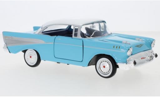 Chevrolet Bel Air 1/24 Motormax bleue/blanche 1957 miniature