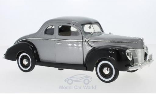 Ford Deluxe 1/18 Motormax metallise grise/noire 1940 miniature