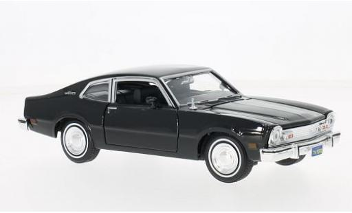 Ford Maverick 1/24 Motormax noire 1974 miniature