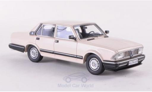 Alfa Romeo Alfa 6 1/43 Neo 2500i beige 1985 miniature