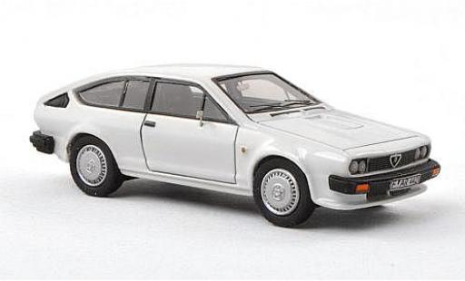 Alfa Romeo GT 1/87 Neo V 6 white 1983 diecast model cars