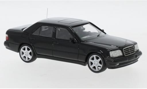 Mercedes Classe E 1/43 Neo E60 (W124) AMG noire 1995 miniature