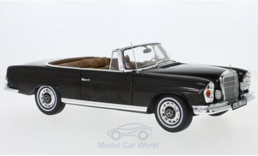Mercedes 280 SE 1/18 Norev SE Cabriolet (W111) dunkelbrown/brown 1969 Dach liegt ein diecast