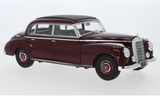 Mercedes 300 1/18 Norev (W186) rouge 1955 miniature