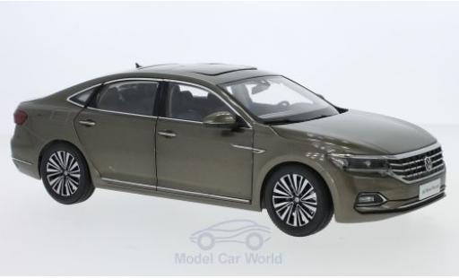 Volkswagen Passat 1/18 Paudi metallise grau 2019 modellautos