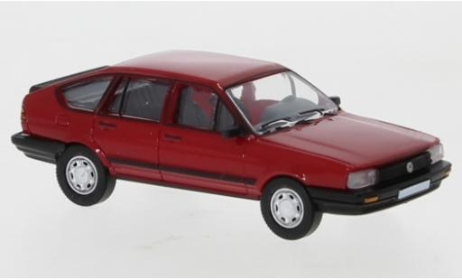 Volkswagen Passat 1/87 PCX87 B2 red 1985 diecast model cars