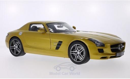 Mercedes SLS 1/12 Premium ClassiXXs AMG Coupe gold miniature