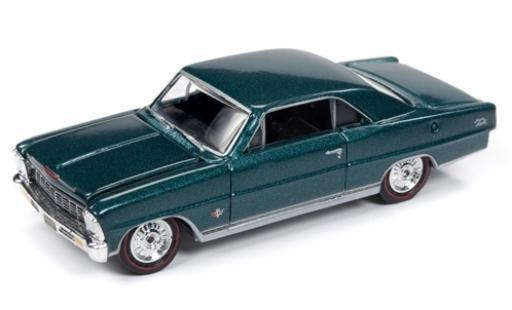 Chevrolet Nova 1/64 Racing Champions Mint SS mettalic grün 1966 modellautos
