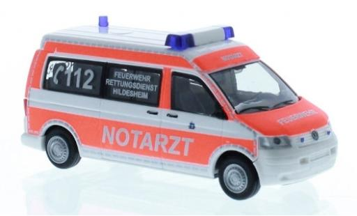 Volkswagen T5 1/87 Rietze Feuerwehr Hildesheim 2003 médecin d miniatura