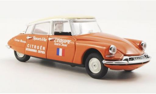 Citroen ID 19 1/43 Rio 1957 Paris - Moskau miniature