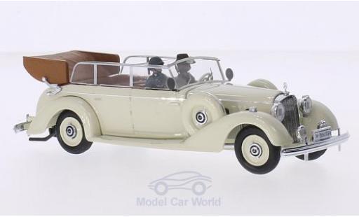 Mercedes 770 1/43 Rio K hellbeige 1938 mit 2 Figuren miniature