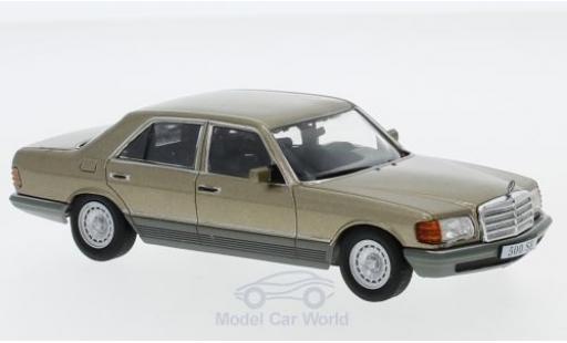 Mercedes 500 1/43 SpecialC 16 SE (W126) métallisé beige 1979 ohne Vitrine miniature