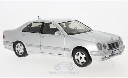 Mercedes Classe E 1/18 Sun Star E320 (W210) grise miniature