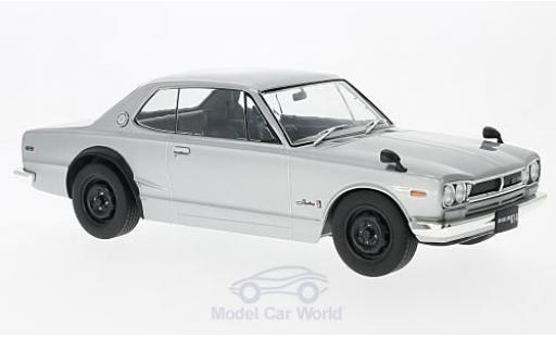 Nissan Skyline 1/18 Triple 9 Collection GT-R KPGC10 silber RHD modellautos