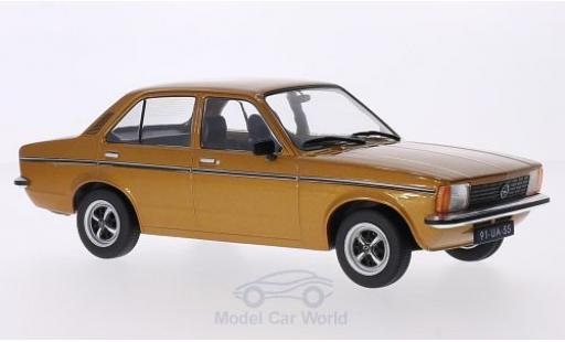 Opel Kadett E 1/18 Triple 9 Collection C Limousine gold 4-Türer miniature