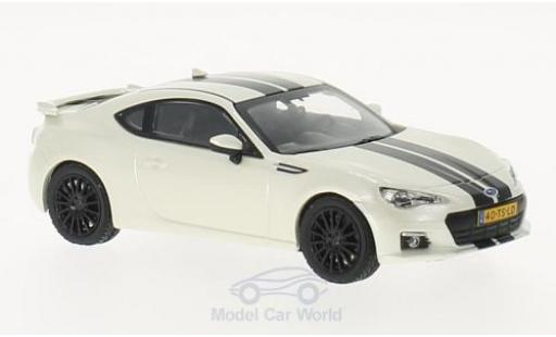 Subaru BRZ 1/43 Triple 9 Collection metallise weiss/schwarz 2014 modellautos