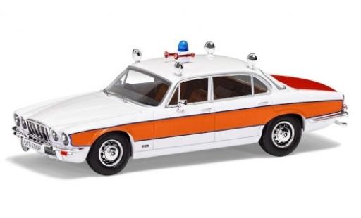 Jaguar XJ 1/43 Vanguards 6 Series 2 4.2 RHD Avon & Somerset Constabulary Police (GB) miniature