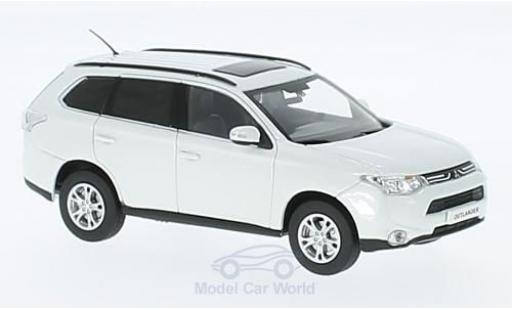 Mitsubishi Outlander 1/43 Vitesse metallise blanche miniature