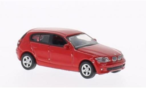 Bmw 120 1/87 Welly i rot modellautos