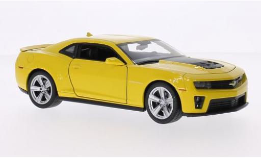Chevrolet Camaro 1/24 Welly ZL1 jaune/matt-noire 2012 miniature