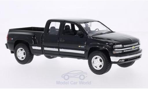 Chevrolet Silverado 1/24 Welly black 1999 diecast model cars