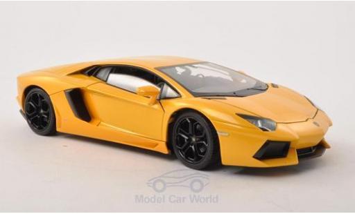 Lamborghini Aventador 1/24 Welly LP 700-4 métallisé jaune miniature