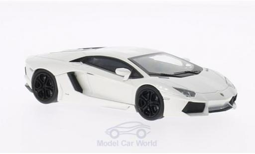 Lamborghini Aventador 1/43 Welly LP700-4 metallise blanche miniature