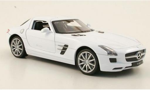 Mercedes SLS 1/24 Welly AMG (C197) white diecast model cars