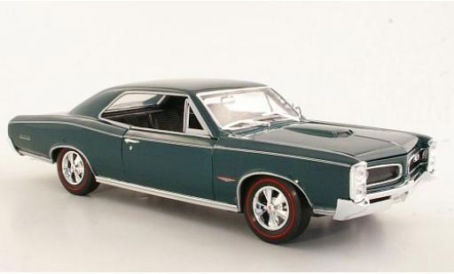 Pontiac GTO 1/18 Welly metallise green 1966 sans Vitrine diecast model cars