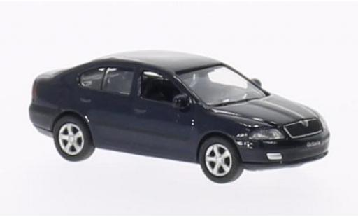 Skoda Octavia 1/87 Welly bleue miniature