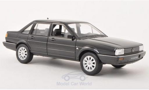 Volkswagen Santana 1/24 Welly noire miniature