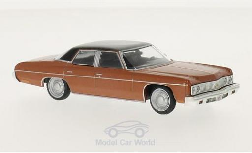 Chevrolet Bel Air 1973 1/43 WhiteBox metallic-kupfer/noire 1973 miniature