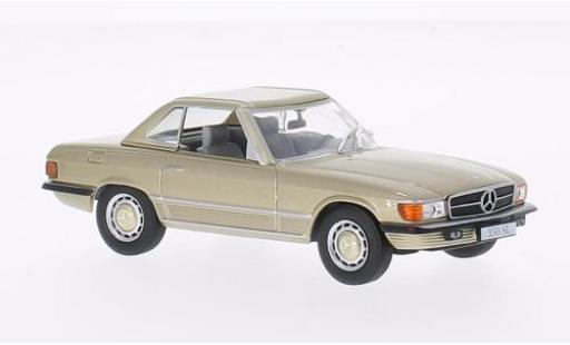 Mercedes 350 1/43 WhiteBox SL (R107) metallise beige 1971 avec Hardtop miniature