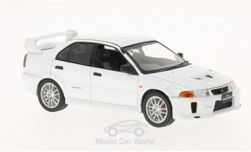 Mitsubishi Lancer 1/43 WhiteBox Evo V blanche RHD 1998 miniature